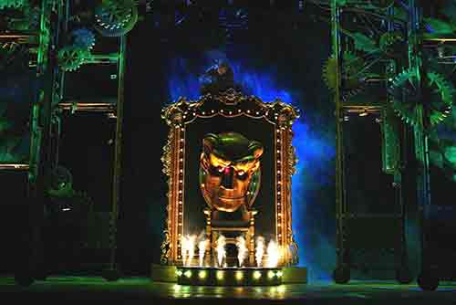 The set of Wicked (photo:Joan Marcus)