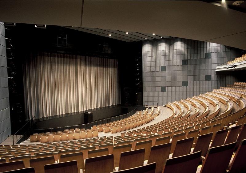 Playhouse at New National Theatre, Tokyo © Photo provided by New National Theatre, Tokyo