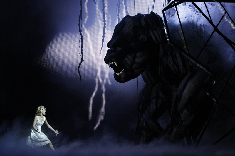 Esther Hannaford as Ann Darrow growls back at Kong
